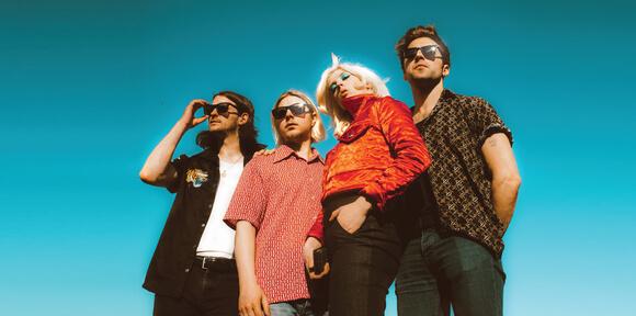 Black Honey kündigen ihr lang erwartetes Debütalbum an